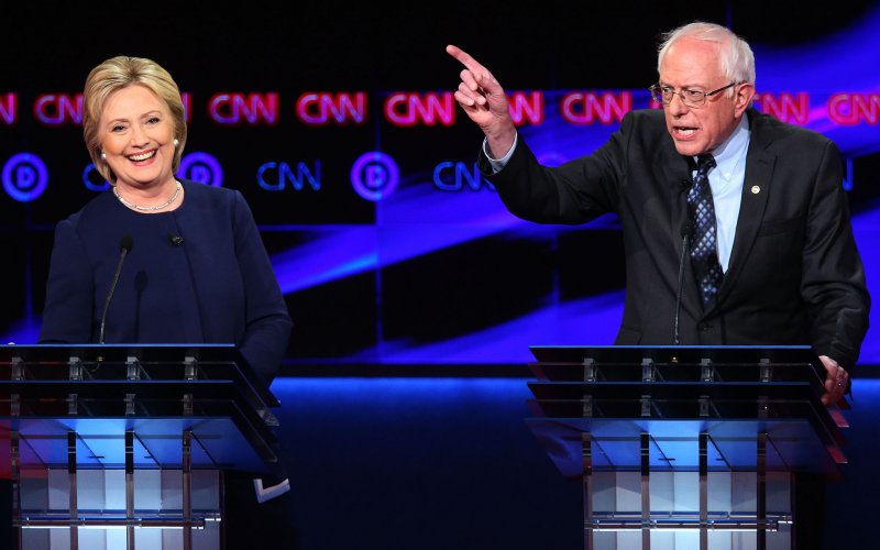 Bernie Sanders using sexist finger gestures towards Secretary of State Clinton